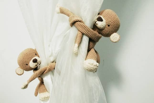Mini Girafa Receita de Amigurumi de Crochê por Little Bear Crochets | 429x645